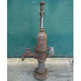 Antigua Y Pequeña Bomba De Agua Manual