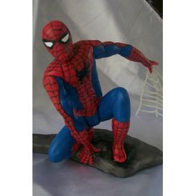 El Hombre Araña Agachado En Porcelana Fria!