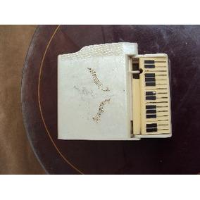 Antigua Cigarrera De Forma De Piano
