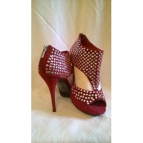 Zapatos Importados En Gamuza Roja Y Tachas