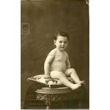 Bebe Sentado Desnudo Foto Postal De Estudio Antigua