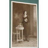 Fotografia Postal Damas Mujeres Peinados Muebles Vestidos