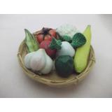B.antigo - Cesto Com Miniaturas De Legumes Verduras E Frutas