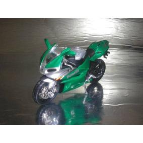 ( L - 20 ) Maisto ( 1:18 ) Motocicleta Benelli Tornado Tre