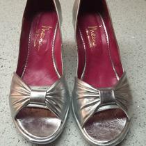 Zapatos 100% Cuero Perugia. Talle 37 Plateados