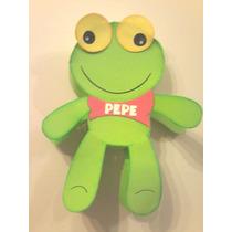 Piñatas Sapo Pepe, Violetta, Mickey,etc En Carton Y Goma Eva