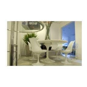 Mesa Saarinen Marmore Branco 1.35m +6 Cadeiras Sem Braço