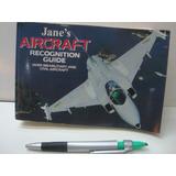 Livro Ilustrado Sobre Aviões Militares E Civis