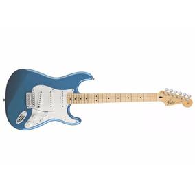 Guitarra Fender 014 4602 Standard Stratocaster 502 Lake P. B