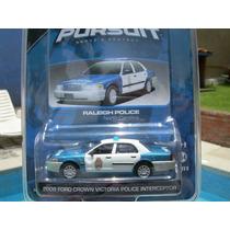 Ford Crown Victoria Police Interceptor De Greenlight 1:64vv4