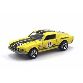 Hot Wheels 68 Ford Mustang Great V8