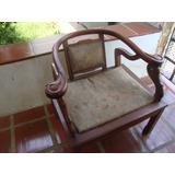 Cadeira Entalhada,modelo Cisne,madeira.