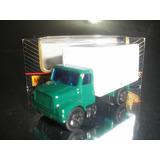 ( L - 70 ) Maisto Antigo Caminhão International Utility Van