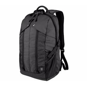 Mochila Victorinox Slimline Laptop Backpack. Negra