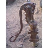 Bomba De Agua Antigua Americana