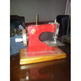 Máquina De Coser De Juguete,de Lata, Nacional
