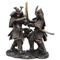 Escultura De Guerreros Samurai Combatiendo De 27 Cm De Alto
