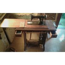 Mueble Maquina De Coser Antigua Necchi! En Buen Estado!