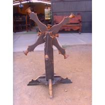 Timbre Campanario De Madera Antiguo Y Campanas De Bronce.