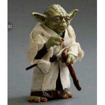 Boneco Action Figure Mestre Yoda Star Wars 12 Cm