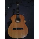 Vendo Guitarra Pequeña Marca Falcón.