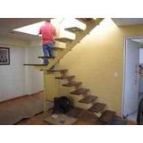 Escaleras,baranda,puerta De Hierro O Madera