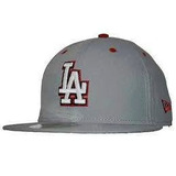 Gorra New Era Los Angeles Dodgers Logo Brilla En La Oscurida