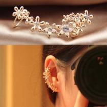 Golden Flowers Ear Cuff - Cor Prata