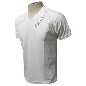 Camisetas Calvin Klein , Gola V , Estilo Cauã Reymond