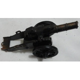 Apontador De Ferro Em Formato De Canhão Antigo C/rodas Plas