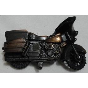 Apontador De Ferro Em Formato De Motocicleta