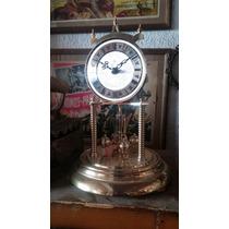 Reloj Tipo Antiguo. Funcionando Con Musica