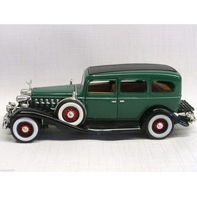 Cadillac Fleetwood Sedan 1932 Verde 1:32 Signature Models