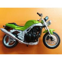 Maisto Moto Triumph 955 Speedtriple Verde