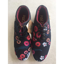 Zapatillas Estampadas Con Flores Negras Paez Talle 38