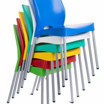 Conjunto De 4 Cadeiras Plásticas. Cozinha E Área De Lazer