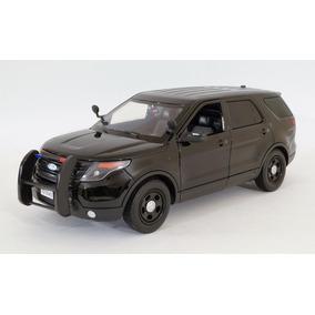 Ford Police Interceptor 2015 Patrulla 1:18 Motormax