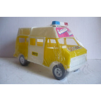 Ambulancia Van Emergencias - Camioncito De Juguete Escala