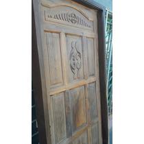 Puerta De Algarrobo Con Detalles De Tallado