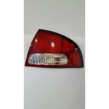 Stop Trasero Nissan Sentra B15 Derecho Año 2000/2003