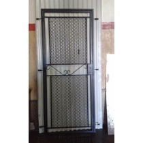 Puerta Reja De Malla Metal Desplegado Con Marco