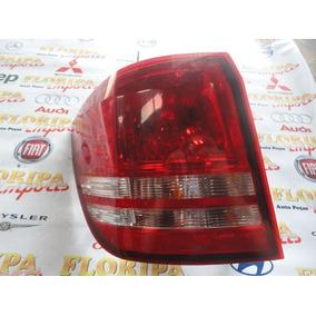 Lanterna Traseira Lado Esquerdo Dodge Journey 2010.