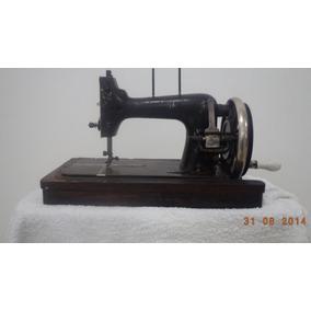 Antiga Máquina De Costura Vestinha