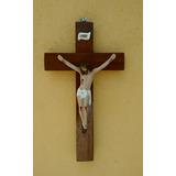 Crucifixo , Cruz Madeira Cristo Em Gesso Tamanho 30cm Altura