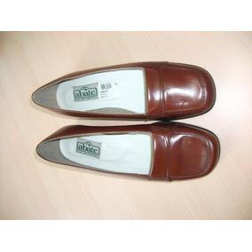 Zapatos Tipo Mocazin Marron De Cuero. Talla 39 Marca Sabate