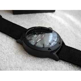 Excelente Reloj Emporio Armani Lona Negro Subasta 1 Peso