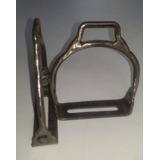 Estribo Crioulo De Ferro Com Marca Laço Comprido Cavalo Abqm