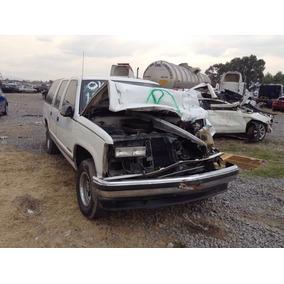 Chevrolet Suburban Deshueso Puerta Motor Caja Toldo Defensa