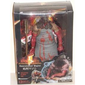 Boneco Executioner Majini Neca Resident Evil Action Figure