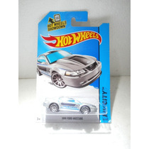 Hot Wheels 1999 Ford Mustang Gris 96/250 2014